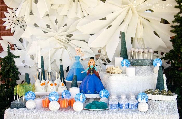 frozen-birthday-party-dessert-table