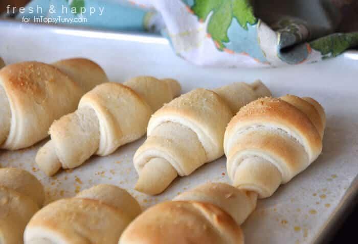 Topsy-Turvy-Freshly-Baked-Rolls