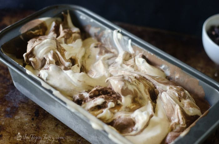 marshmallow-chocolate-Smore-ice-cream-recipe