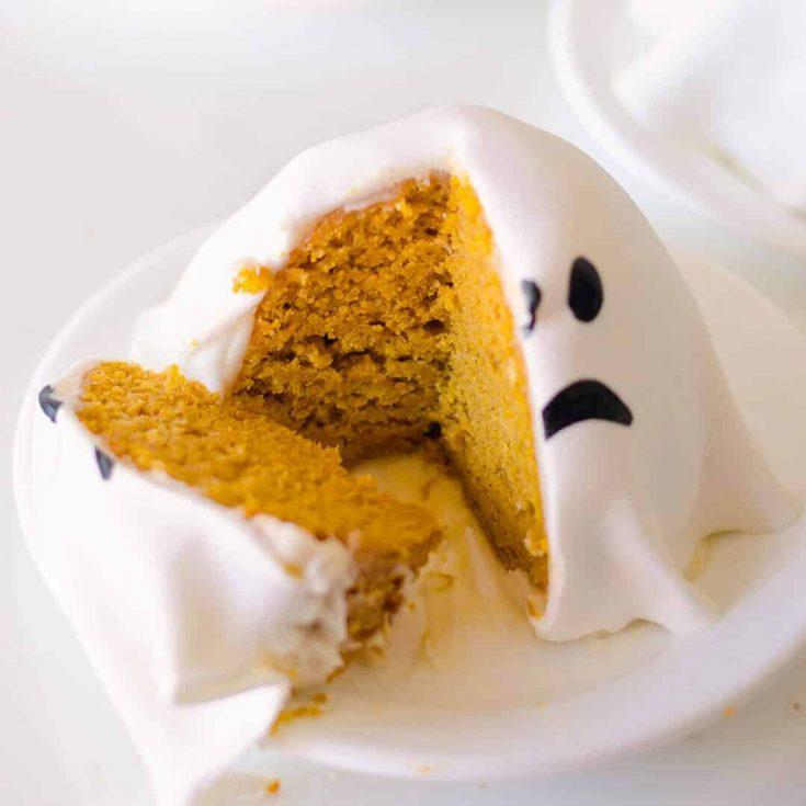Mini Ghost Pumpkin Cakes
