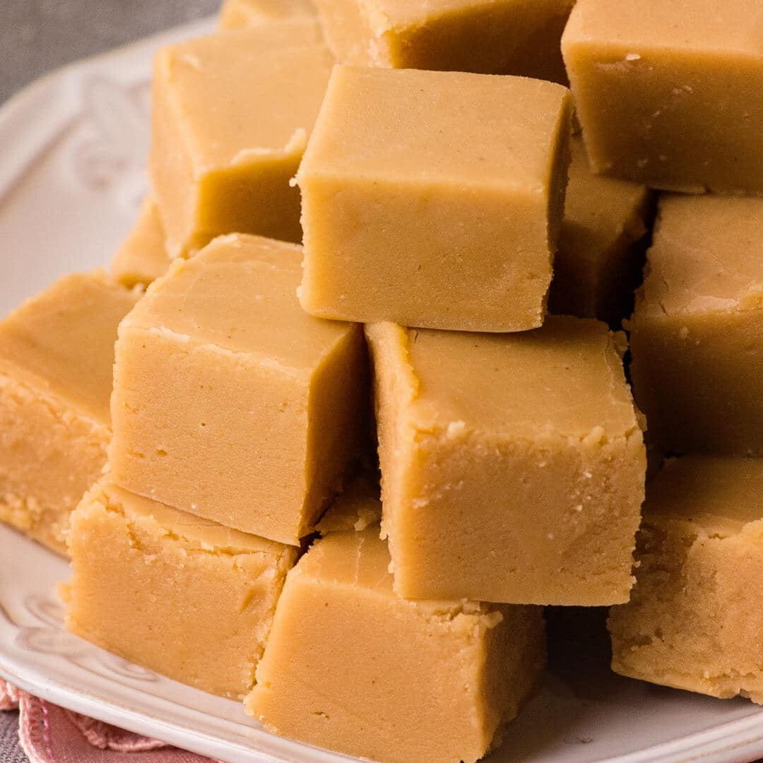 Peanut butter fudge recipe ashlee marie real fun with real food forumfinder Image collections