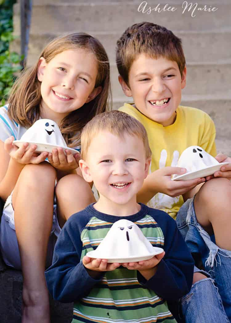 the kids love coming home to fun holiday treats, like these mini ghost halloween cakes