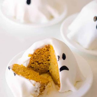 these mini ghost pumpkin cakes are easy to make, delicious and so cute