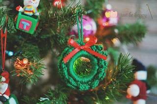 10 - Mini Wreath Free Crochet Pattern