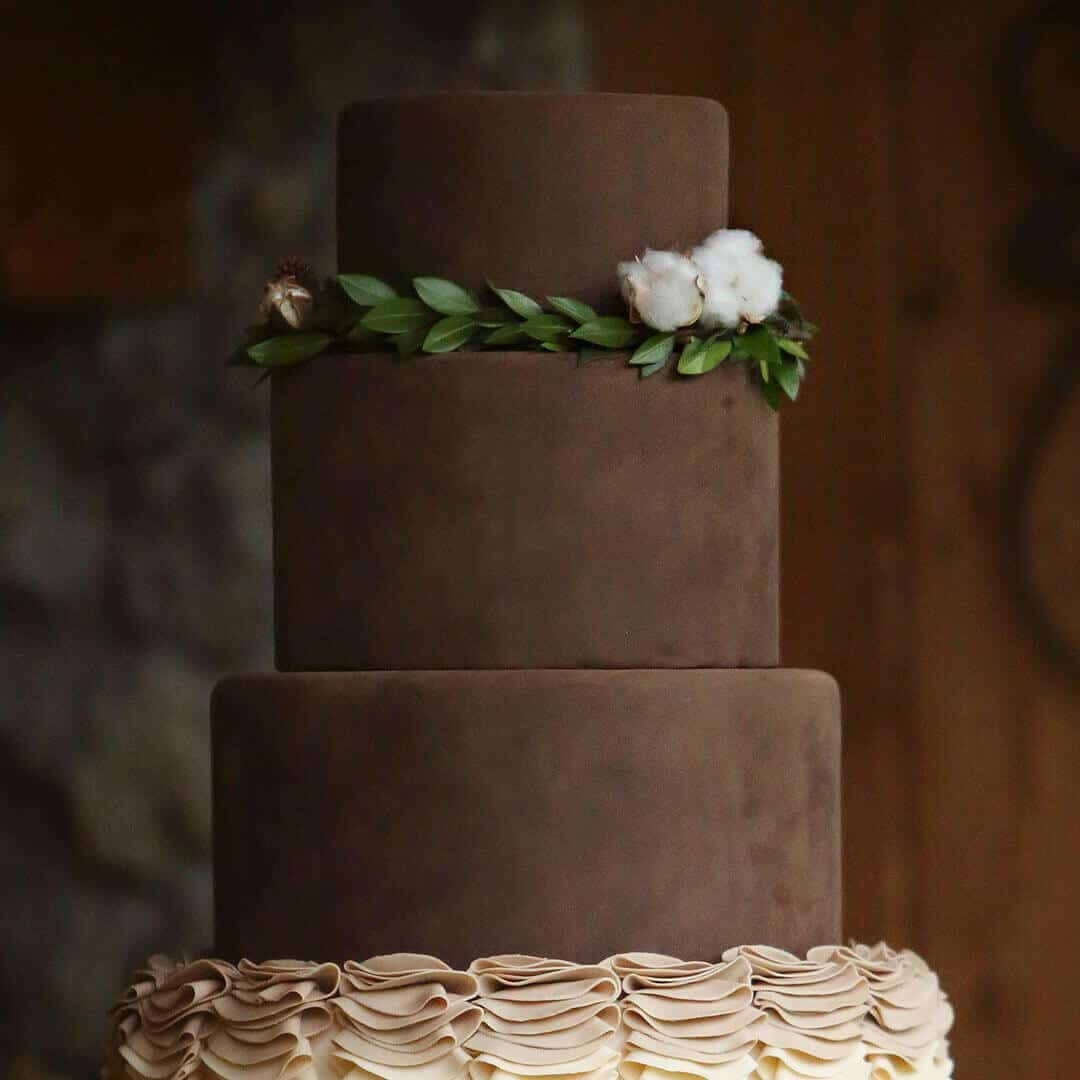 This suede cake looks amazing and is so easy to create