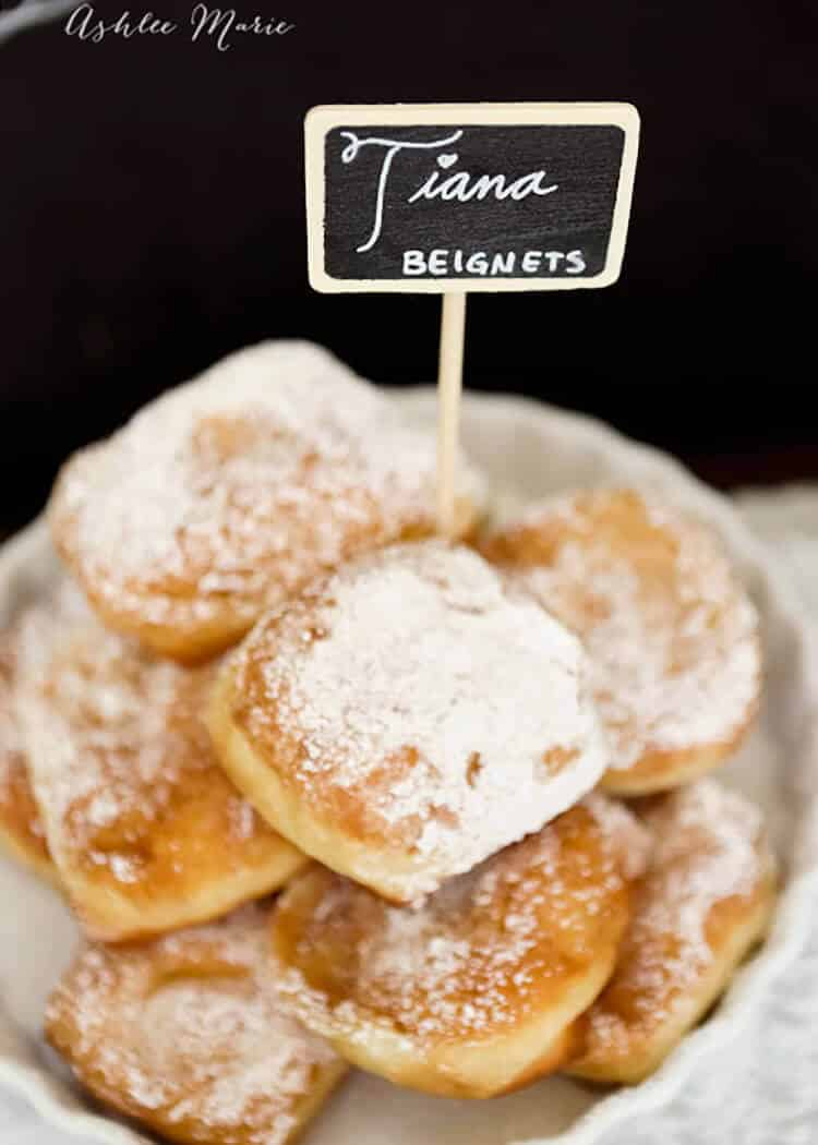 Tiana man catching new orleans beignets ashlee marie real fun a copycat beignets recipe from disney parks princess tianas man catching recipe forumfinder Images