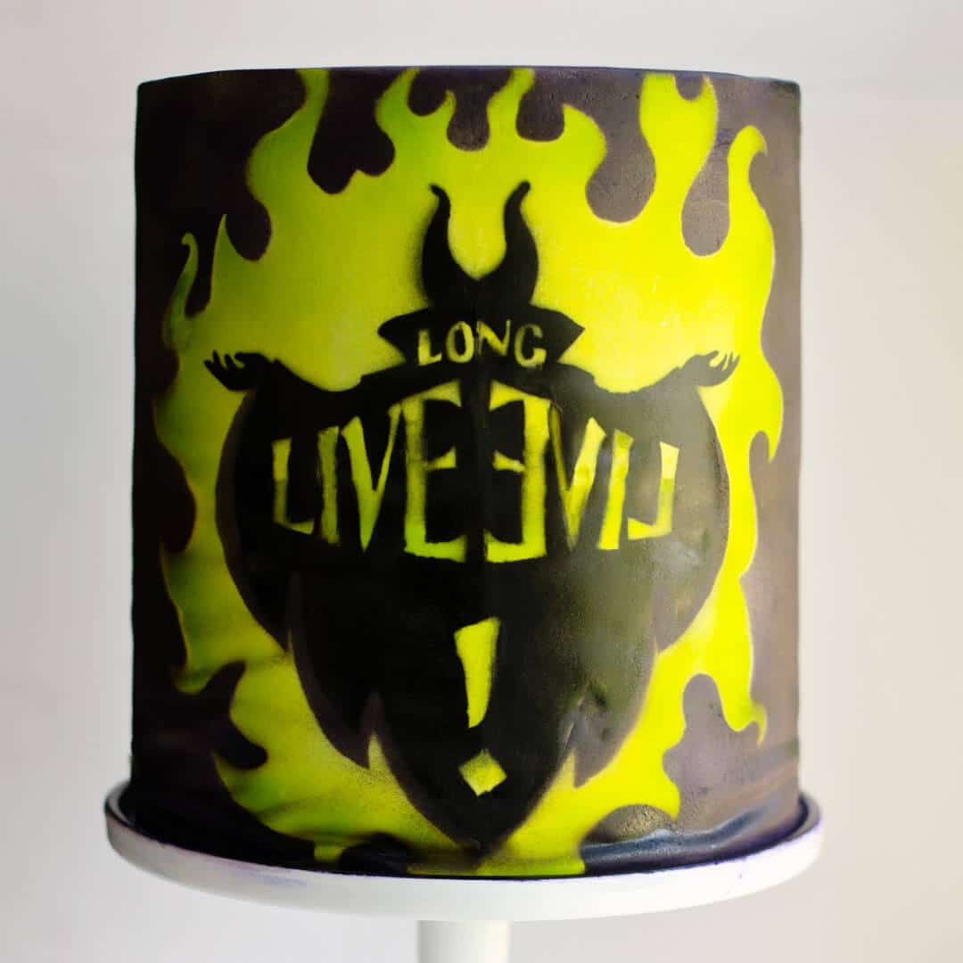 descendants cake - airbrushing, stencil, disney, maleficant