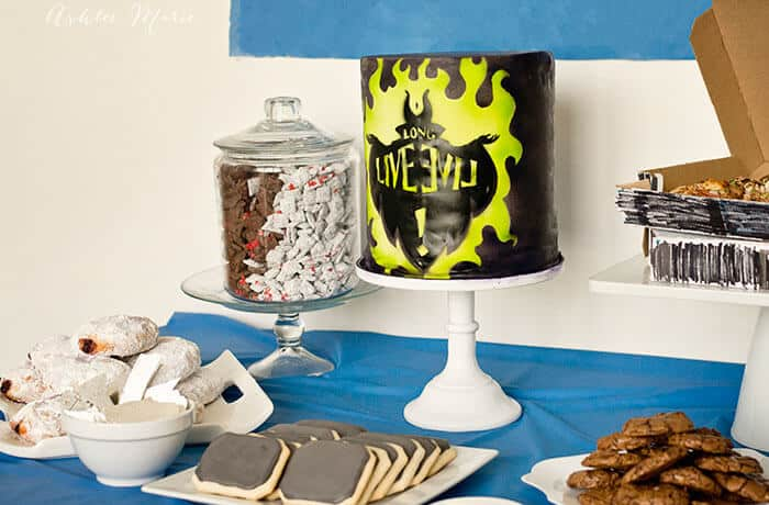 disney descendants party food and cake
