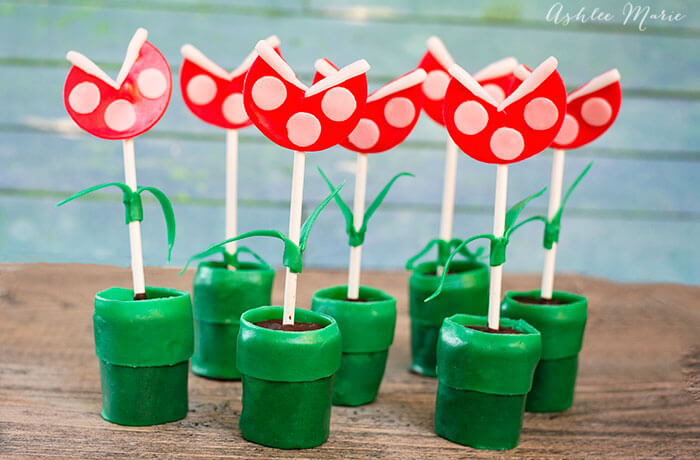 Mario Bros Piranha Plant Tube Pops