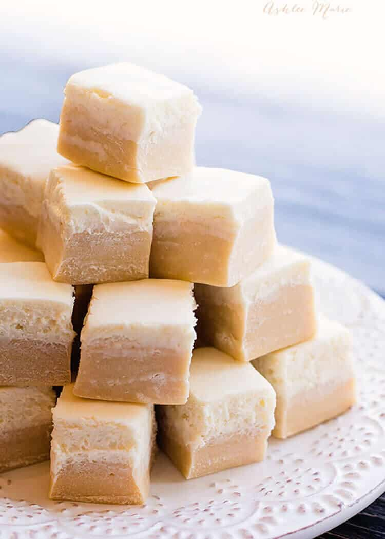 With a butterscotch base with a creamy top, the butterbeer fudge looks just like the drink itself