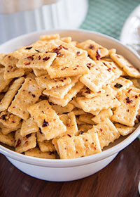 Spicy Mini Club Crackers
