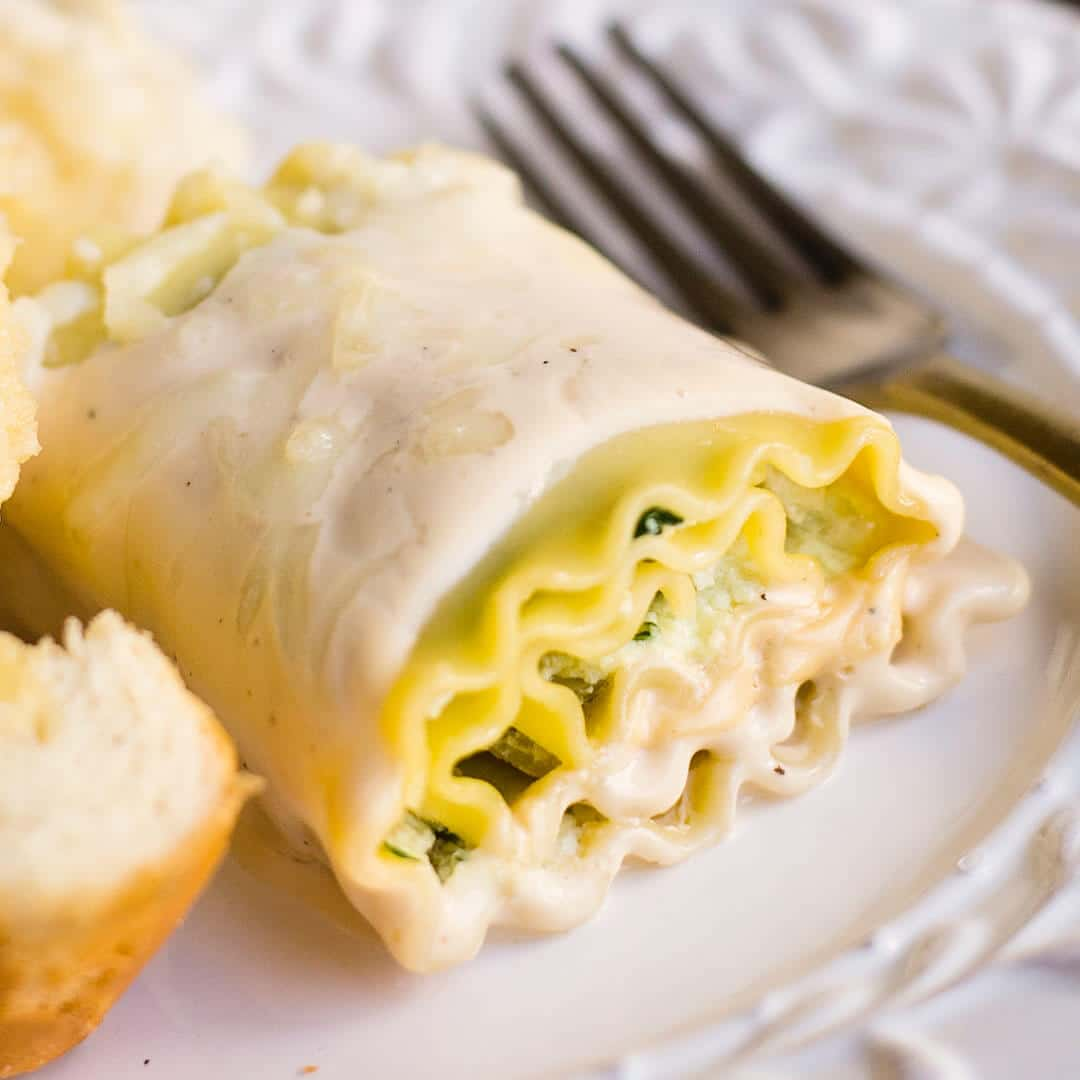 chicken alfredo lasagna roll ups