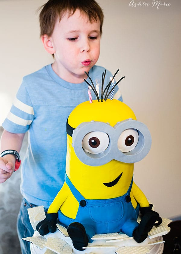 baby boy loved his minions birthday! he especially loved his giant minion birthday cake - video tutorial so you can make your own cake