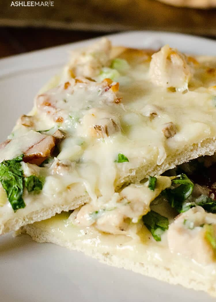 cheesy chicken alfredo pizza