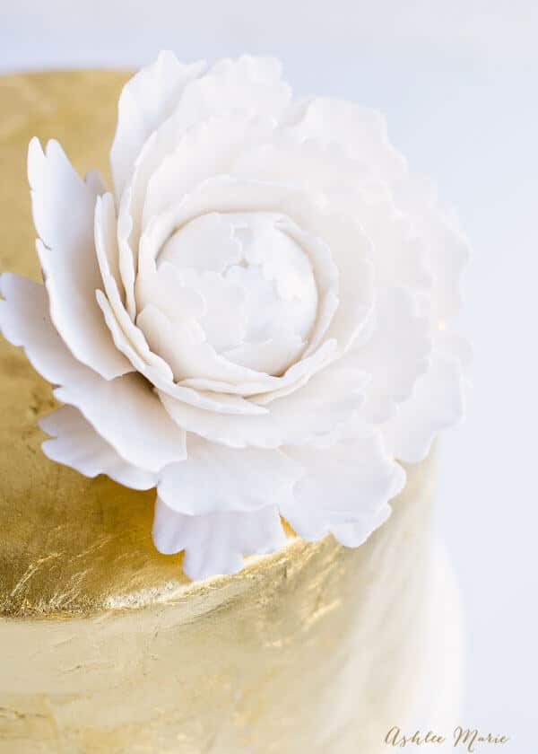 wedding cake flowers gumpaste tutorials how to make a gumpaste peony and 11 edible flowers 22676