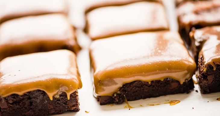 Salted Caramel Chocolate Brownies - Blog 'n Bake Retreat