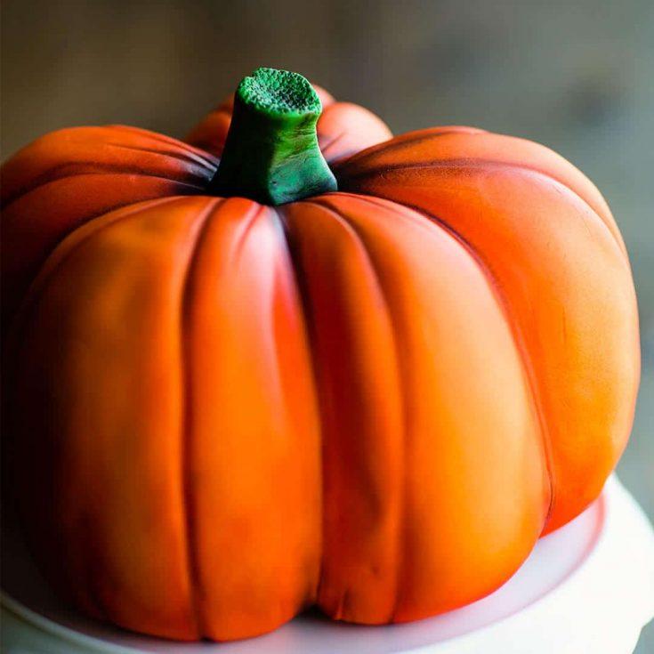 Carve a Realistic Pumpkin Cake