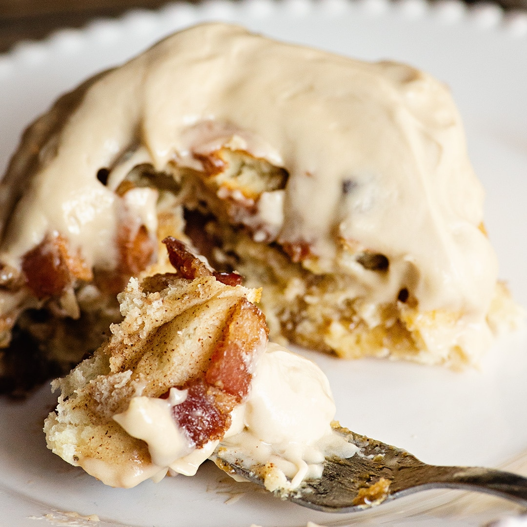 maple bacon cinnamon roll
