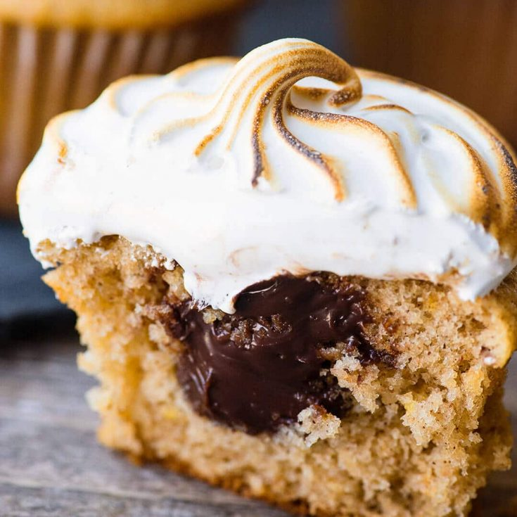 S'mores Cupcakes - Marshmallow topped ganache filled graham cracker cupcakes