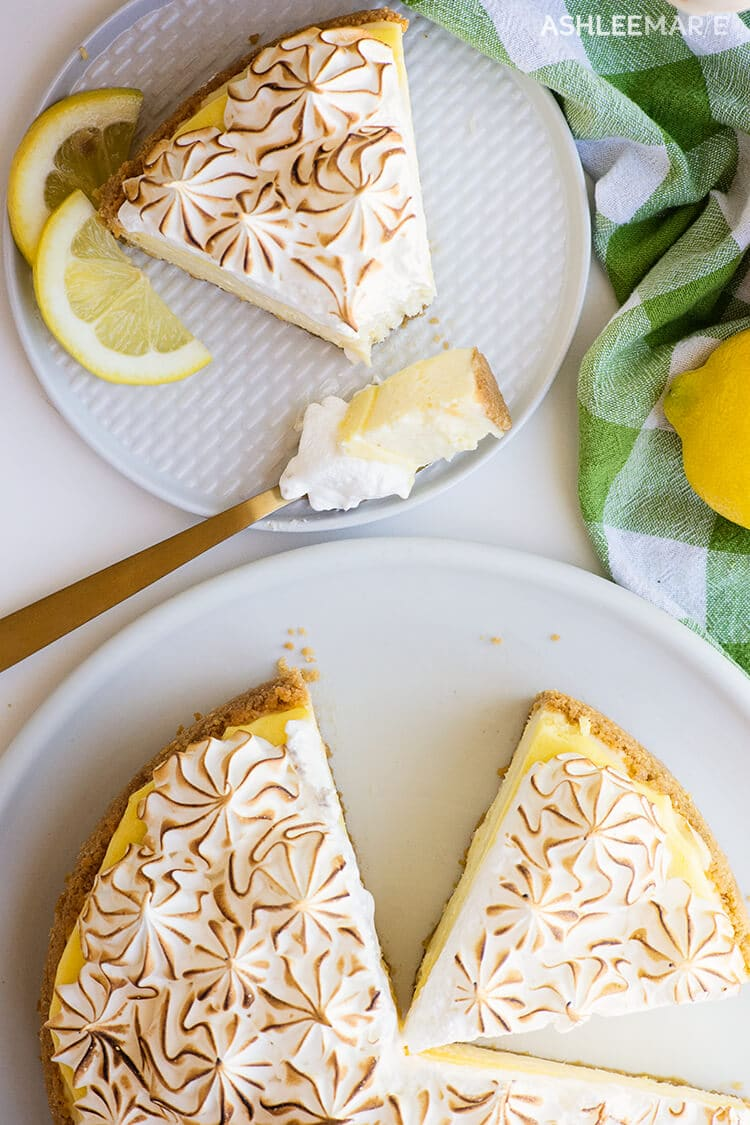 lemon curd cheesecake with meringue