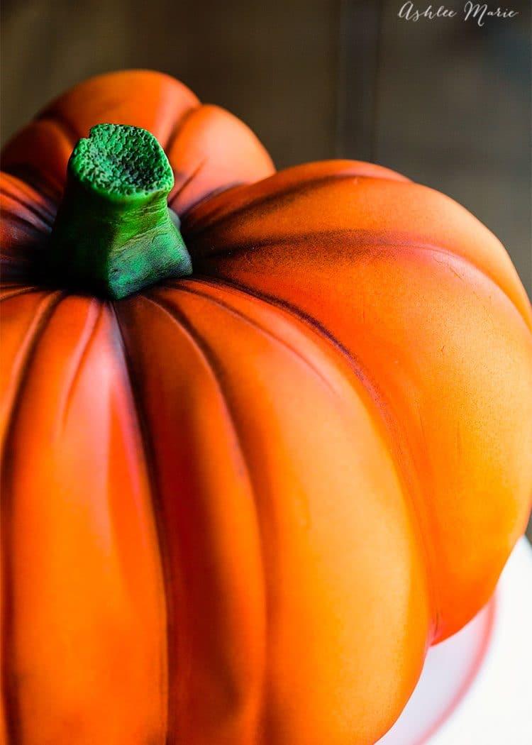 airbrush pumpkin cake