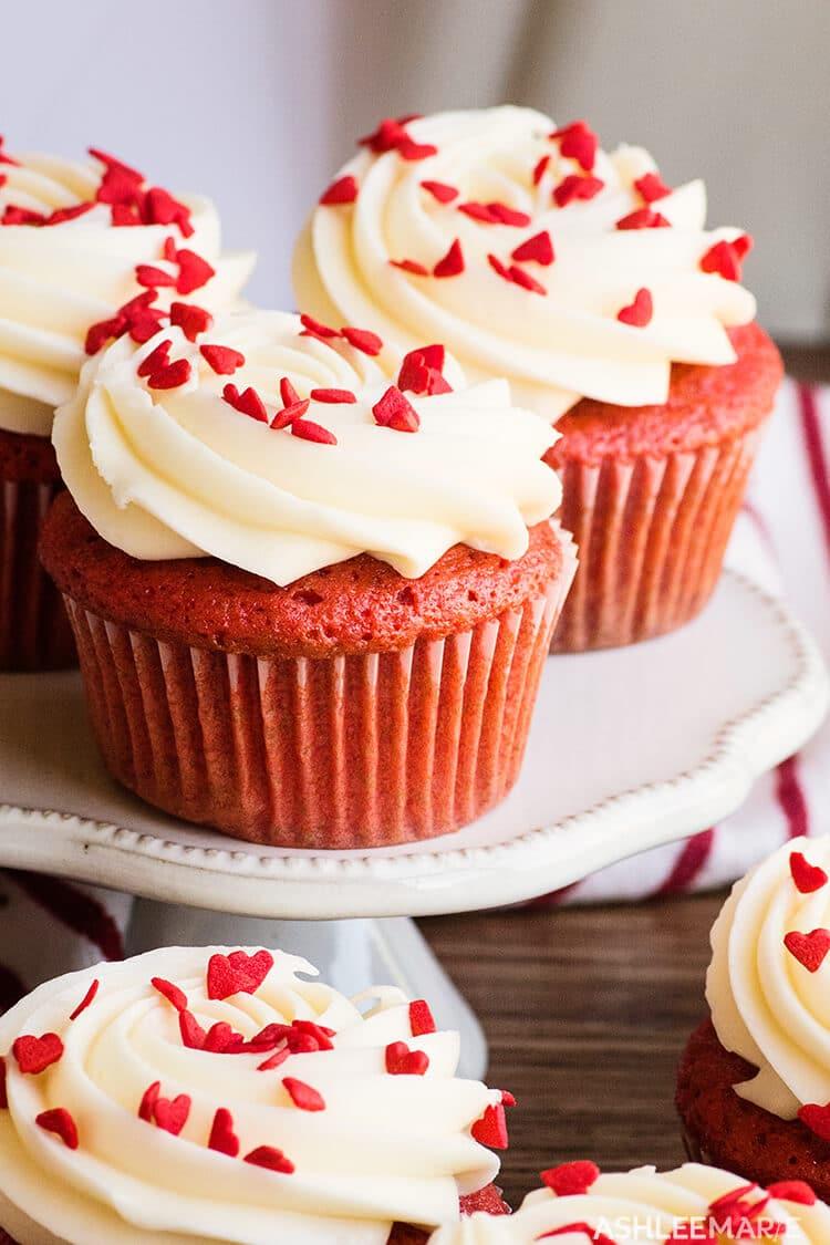 valentine red velvet cupcakes